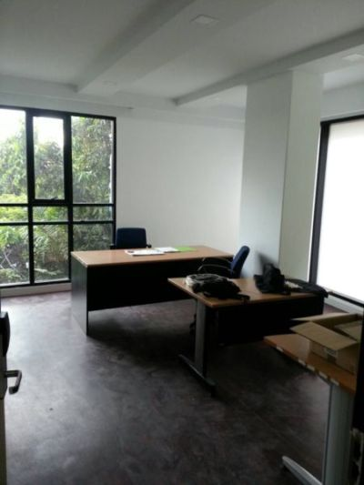 รูปภาพ TT BUILDING Brand new furnished apartment and Office Center closed to On-Nut BTS station Office type OFFICE 1 26.09 sq.m. OFFICE 2 28.72 sq.m. OFFICE 3 16.70 sq.m. OFFICE 4 18.53 sq.m. Room facil