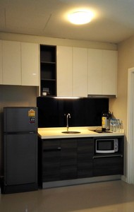 รูปภาพ For Rent Townhome Plex Bangna KM.5.Suitable for office or living .Built-in kitchen with full furnished